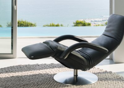 Sessel Yoga von Jori aus schwarzem Leder