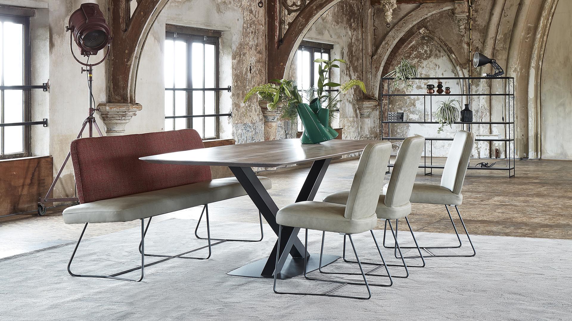 bert plantagie preiswerte esszimmer bei prinz wohnen. Black Bedroom Furniture Sets. Home Design Ideas