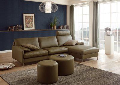 Sofa Classic 880 von Erpo mit olivem Lederbezug